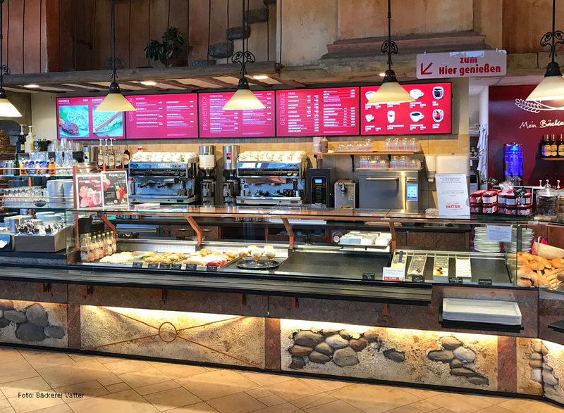 Moderne Displays als Digital-Signage Lösung in einer traditionellen Bäckerei