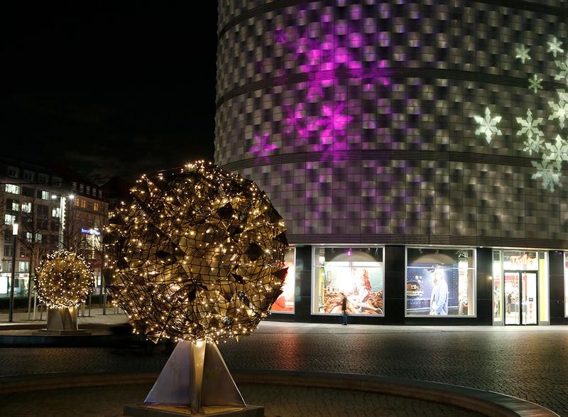 Weihnachtsbeleuchtung Aussen Motive.Festliche Beleuchtung Nel